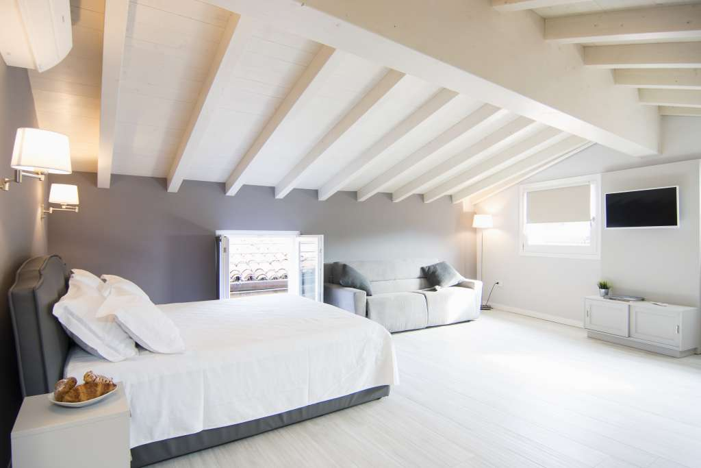 one room attic holiday apartment